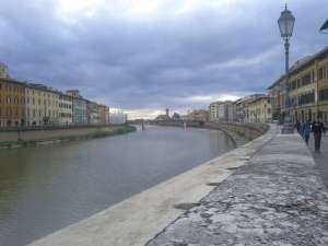 view from Lungarno Pacinotti on the river Arno